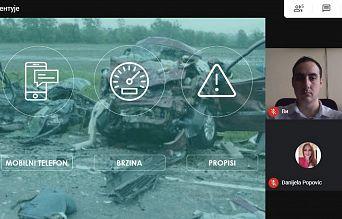 """СРЕДЊОШКОЛЦИ ИЗ КРУПЊА ПОКАЗАЛИ ВЕЛИКО ИНЕРЕСОВАЊЕ ЗА ТРИБИНУ """"УМ НА ДРУМ""""   Agencija za bezbednost saobraćaja"""