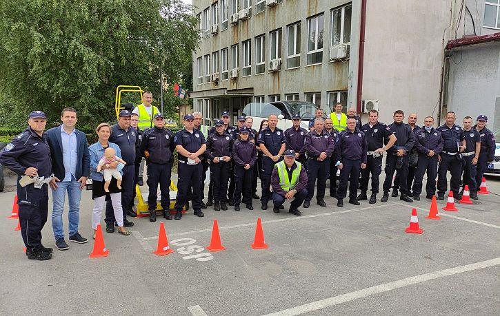 Обука припадника Саобраћајне полиције ПУ Бор и Зајечар о значају коришћења безбедносног седишта и сигурносног појаса | Agencija za bezbednost saobraćaja
