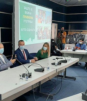 Обука за родитеље о употреби дечијих ауто-седишта у Новом Саду
